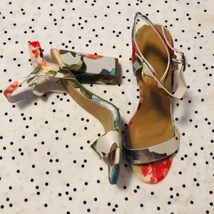 new list* |bamboo| floral block heels